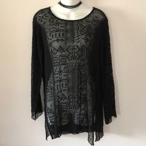 🖤 CHICOS SHEER LACE AND SEQUIN TUNIC 🖤